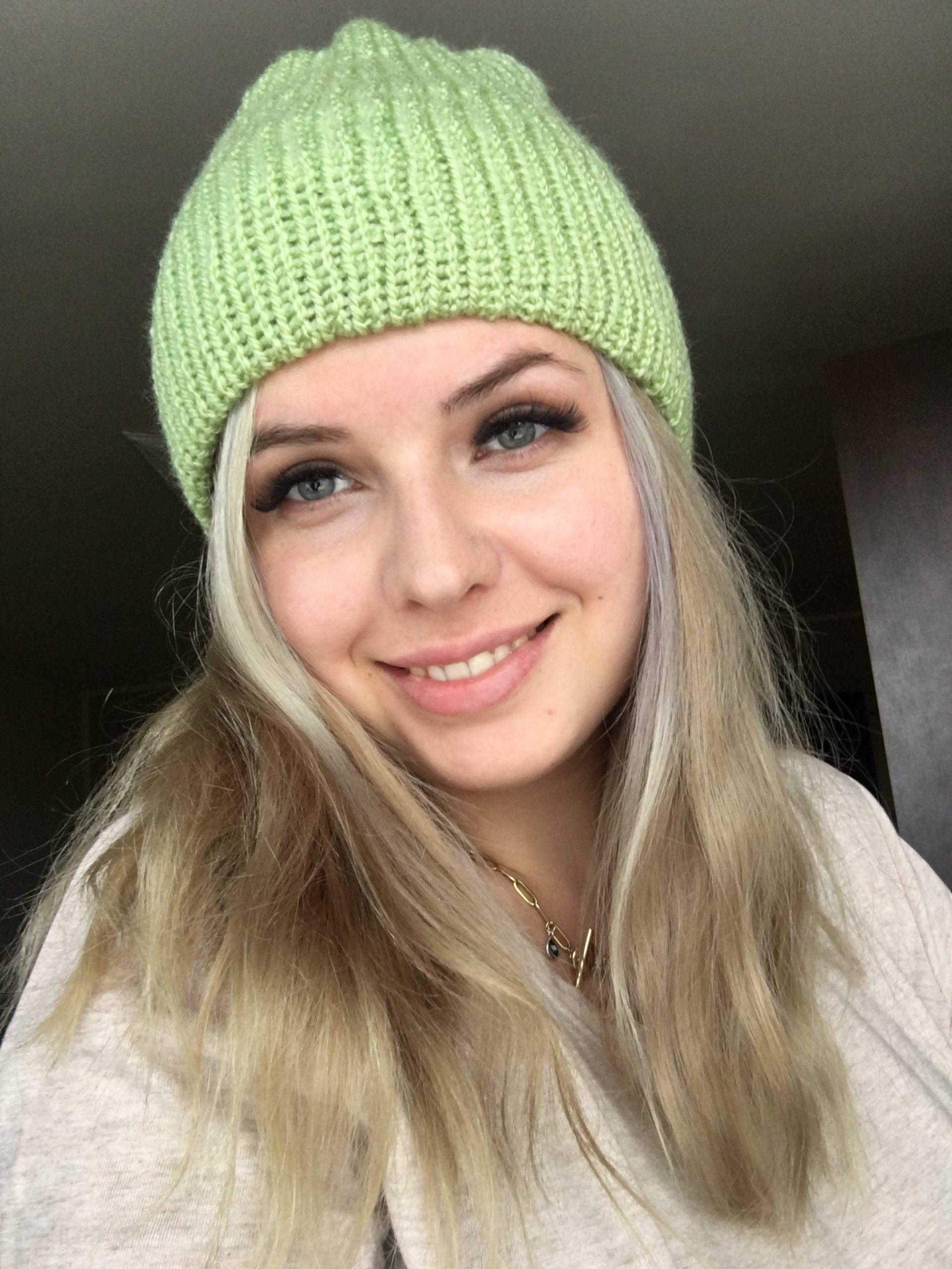 Ciepła czapka na jesień/zimę jasno zielona handmade