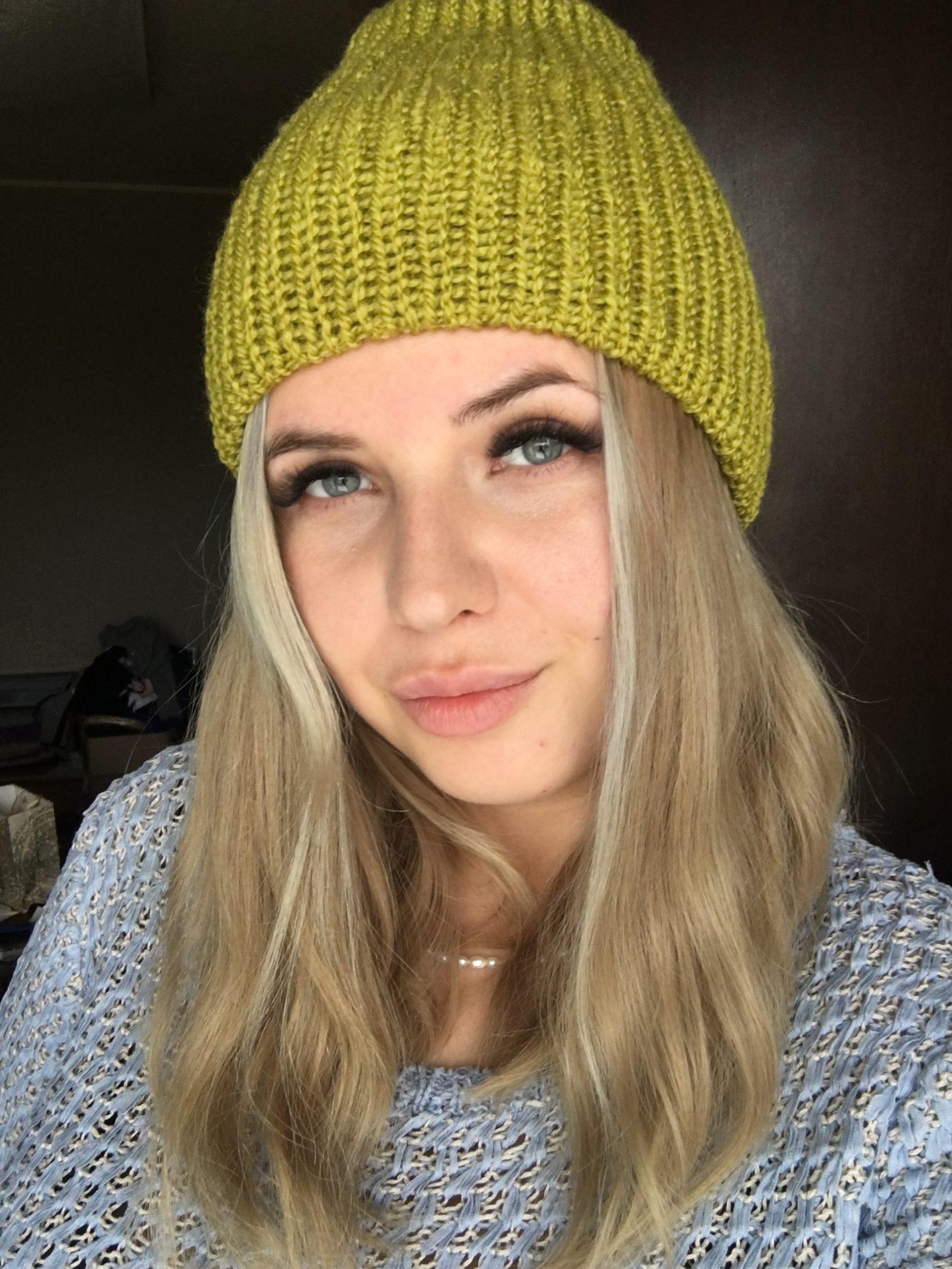 Ciepła czapka na jesień/zimę pistacjowa handmade