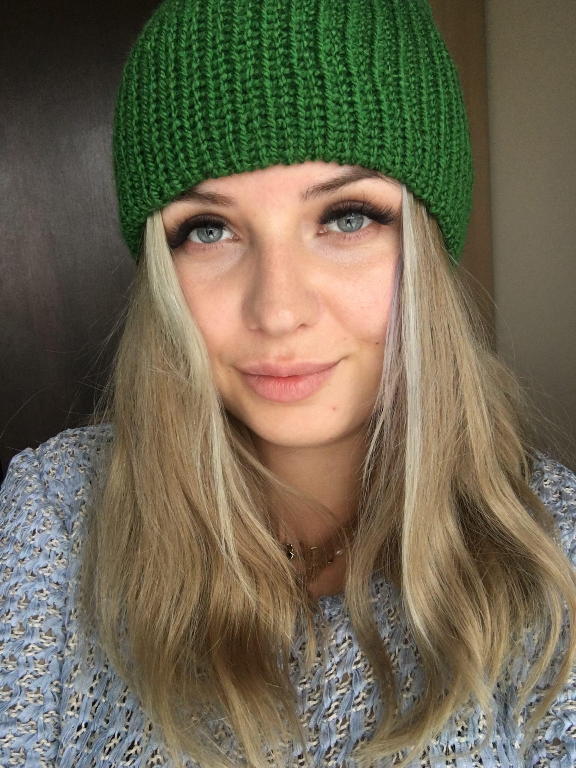 Ciepła czapka na jesień/zimę ciemno zielona handmade