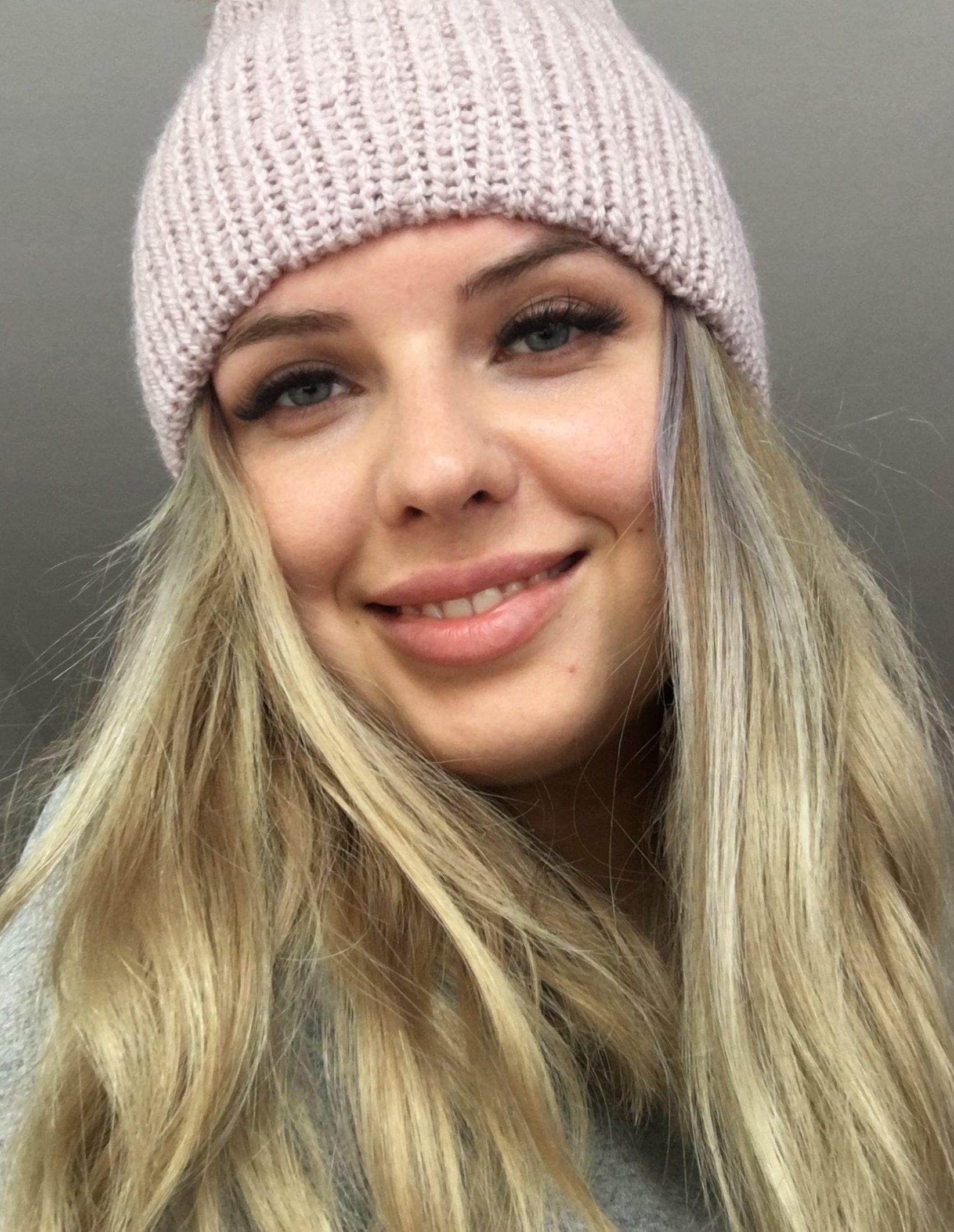 Ciepła czapka na jesień/zimę rozbielony różowy handmade